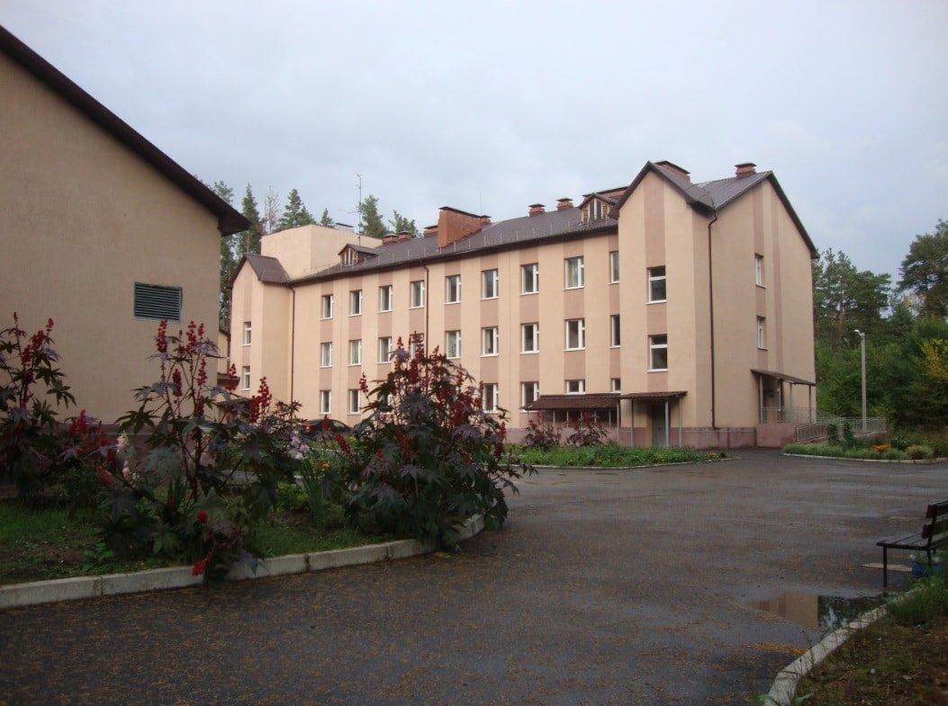 Санаторий Рачейка. Лечебный корпус