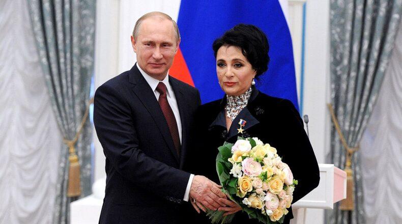 Ирина Винер-Усманова и Владимир Путин. Википедия